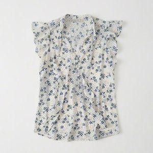 Abercrombie flowery top M